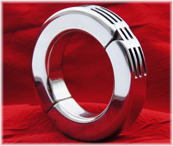 Cock-Ring mit Scharnier geschlossen